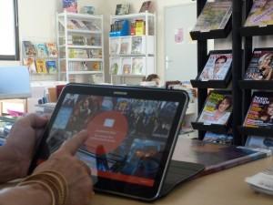 Des tablettes dans les médiathèques