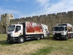 """Inauguration du parc de camions """"propres"""" pour la collecte des déchets, au pied des remparts d'Aigues-Mortes"""