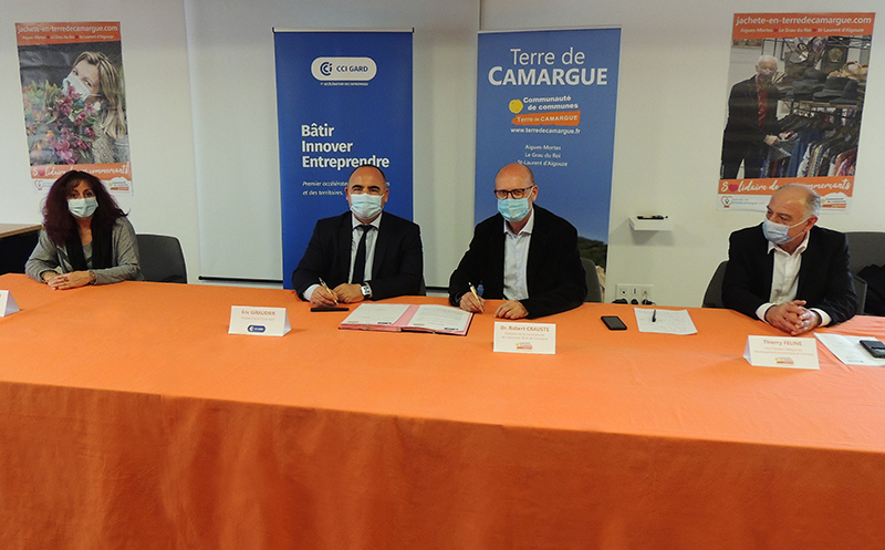 Signature de la convention de partenariat Business u Gard entre la CCI du Gard et Terre de Camargue