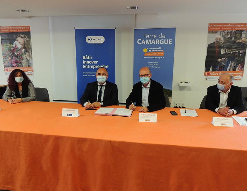 Signature entre la CCI du Gard et Terre de Camargue de la convention de partenariat pour la plateforme Business in Gard